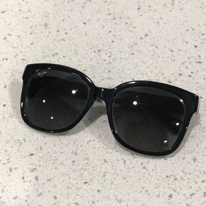 Tommy Bahama Accessories - Tommy Bahama sunglasses